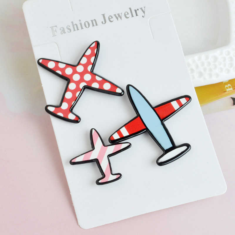Fashion Airplane Brooches set Cartoon Plane Aircraft Brooch for boys girls Backpack Bag Clothes Collar Lapel Pins Button Badge