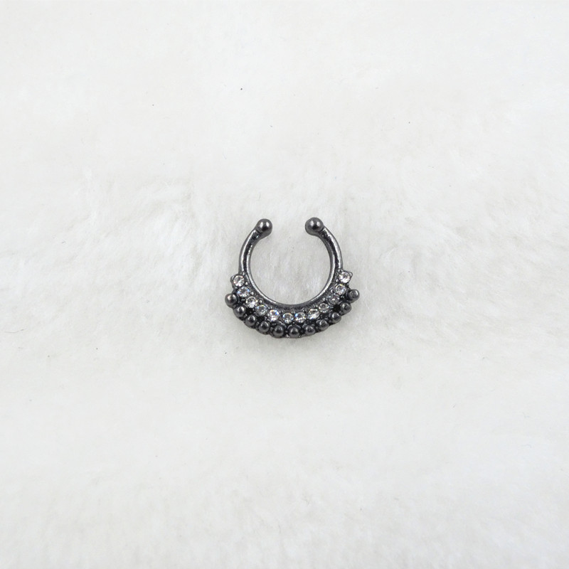 HTB1KXFlPVXXXXbUXFXXq6xXFXXX0 Trendy Women Black Alloy Clicker Septum Nose Ring Jewelry - 10 Styles