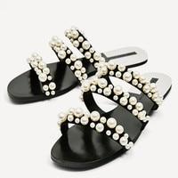 Dropshipping Women Summer Beach Party Dress Shoes Fulgurant Pearl Sandals Thin Belt Roman Flat Women Flip Flops Casual Slippers