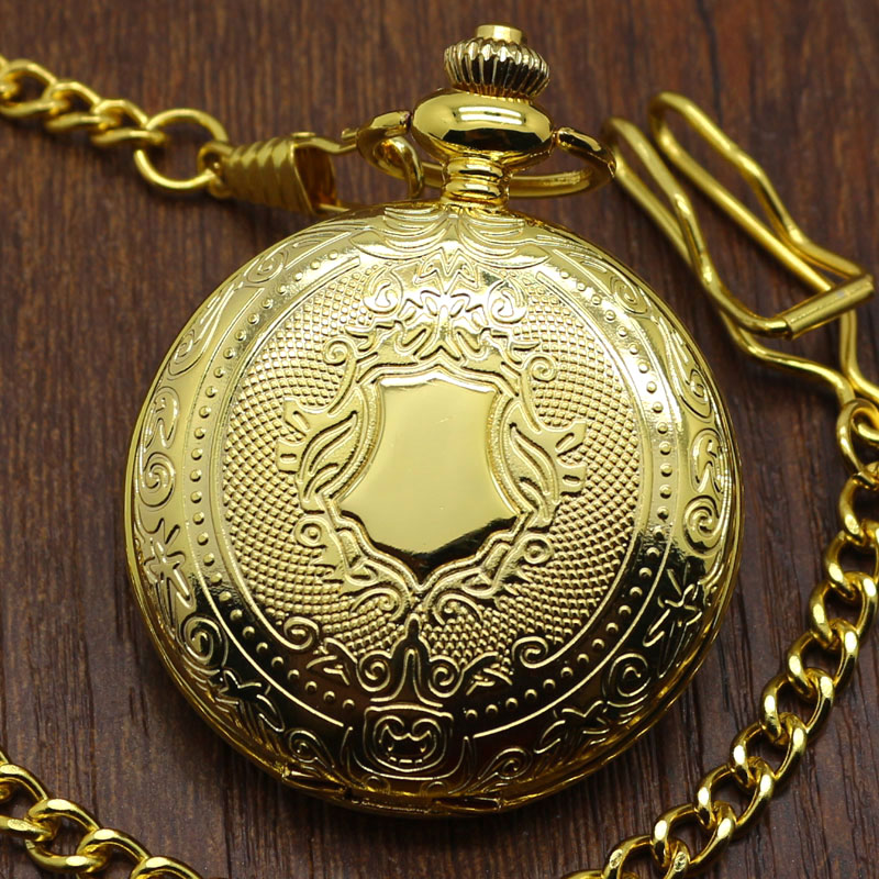 2020 New Arrival Golden Luxury Shield Crown Pattern Quartz Pocket Watch Round Pendant Men Women Gift With Chain