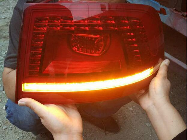 Phaeton taillight,Secondhand,not 100%new!LED,Phaeton tail light,Multivan,lupo,Nuevo,Routan,Vanagon,vento,saveiro,sharan,Phaeton tiguan taillight 2017 2018year led free ship ouareg sharan golf7 routan saveiro polo passat magotan jetta vento tiguan rear lamp