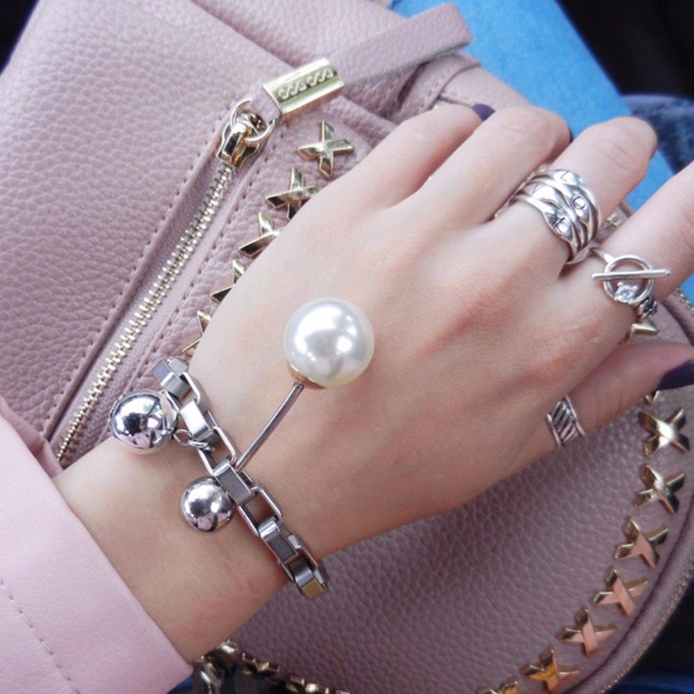 eManco Fashion Simple Chain Bracelets for Women Hanging Imitation Pearls Unique Metal Buckle Jewelry New Year Gift free shipping imitation pearls chain flatback resin material half pearls chain many styles to choose one roll per lot