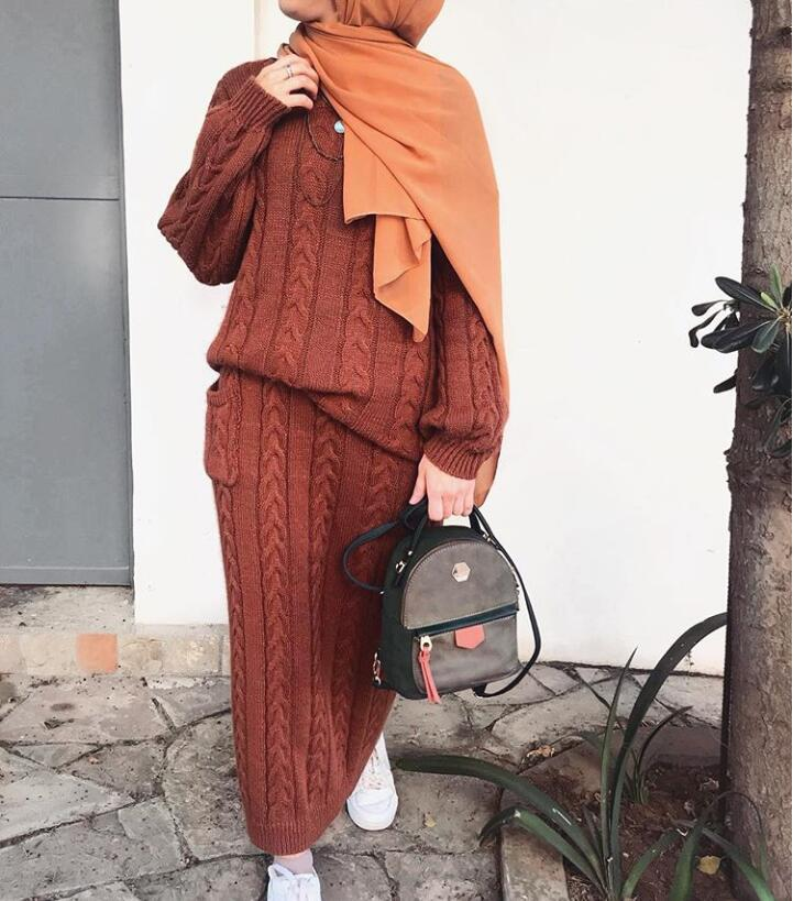 Fashion Autumn Winter Wool Muslim Girl Set O Neck Sweater and Long Skirt Turkish Women White Grey Brown Suits 2 Pieces gown