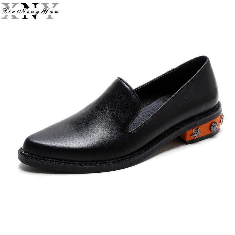 XIUNINGYAN 2018 nueva moda bordada remache mocasines zapatos para mujeres mocasines de cuero de vaca plataforma Derby zapatos negros mujeres-in Zapatos planos de mujer from zapatos    1