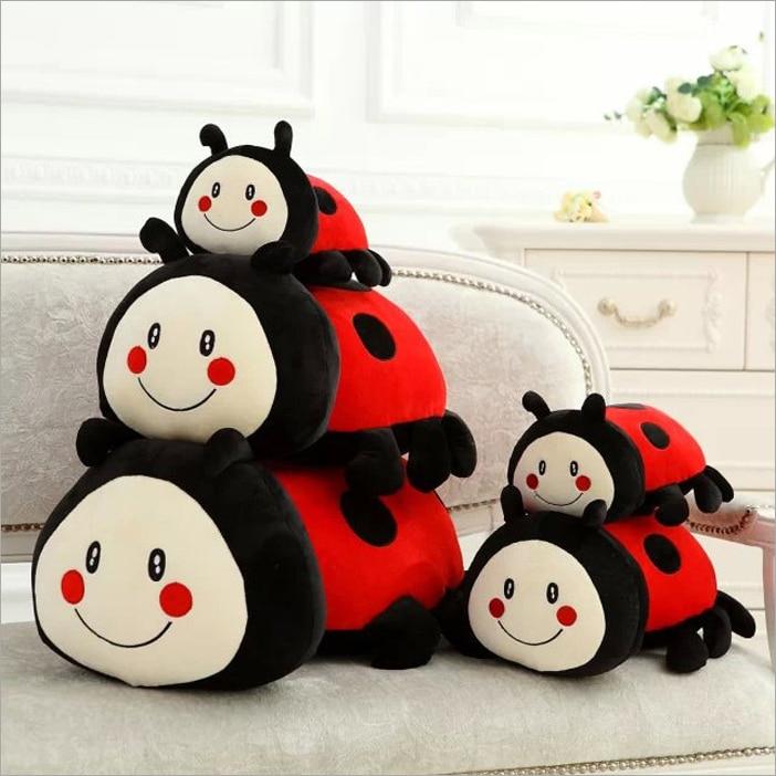 Sept Étoiles Coccinelle poupée mignon Q version de Bébé Coccinelle en peluche jouet oreiller enfant cadeau