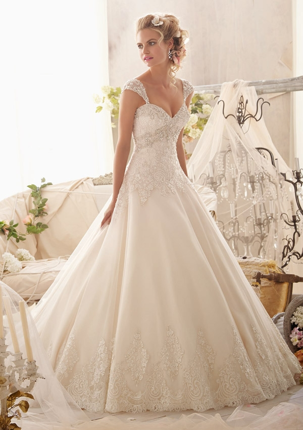 Elegant a line lace bridal wedding dress lace new bridal for Us size wedding dresses