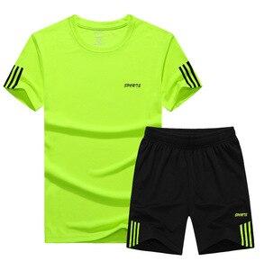 Image 2 - 夏 2019 男性用カジュアル二枚スーツ半袖 Tシャツ & 男性ストリートショーツセットトラックスーツマンショートスポーツウェアセット