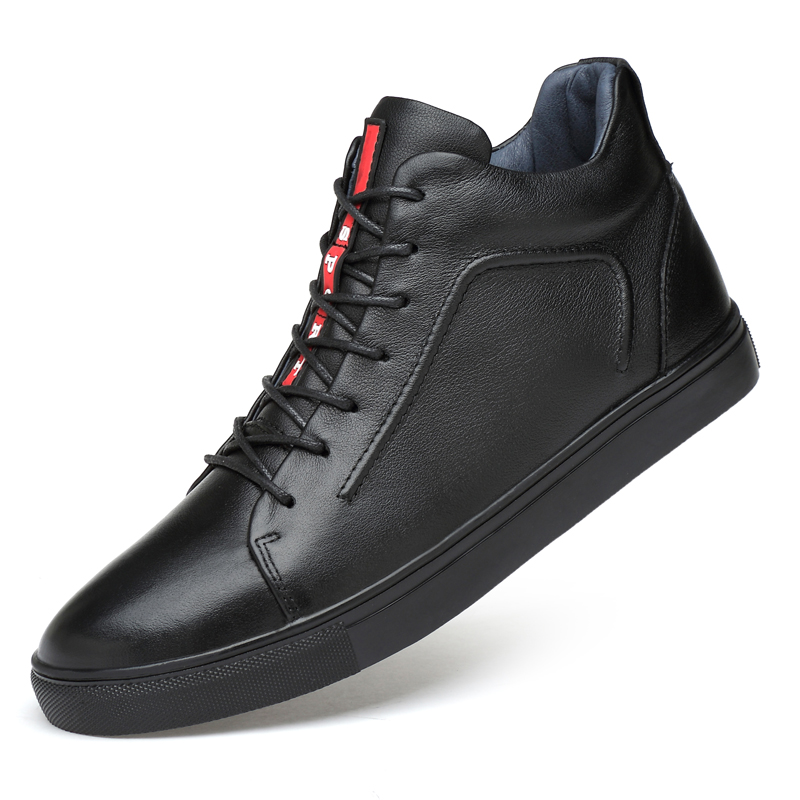 цена на 2018 New Men Casual Leather Shoes High Top Man Luxury Soft Fashion Sneakers Genuine Leather Black Man Flat Shoes Plus Size