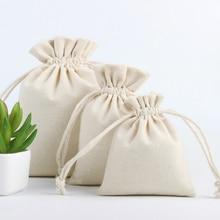 50 sztuk lniane torby na prezenty naturalna bawełna juta etui ze sznurka opakowanie biżuterii makijaż cukierki wielokrotnego użytku saszetka worek drukuj Logo niestandardowe