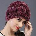 Caliente venta mujeres Beanie invierno hechos a mano rayas de piel de conejo Rex sombreros del sombrero de piel caliente suave lindo rose flowwes de punto gorros