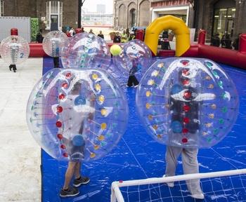 1 2 m dzieci bubble suitie soccers tanie i dobre opinie Nadmuchiwany plac zabaw dla dzieci 6 lat Plac zabaw na świeżym powietrzu TKBS bubble soccer