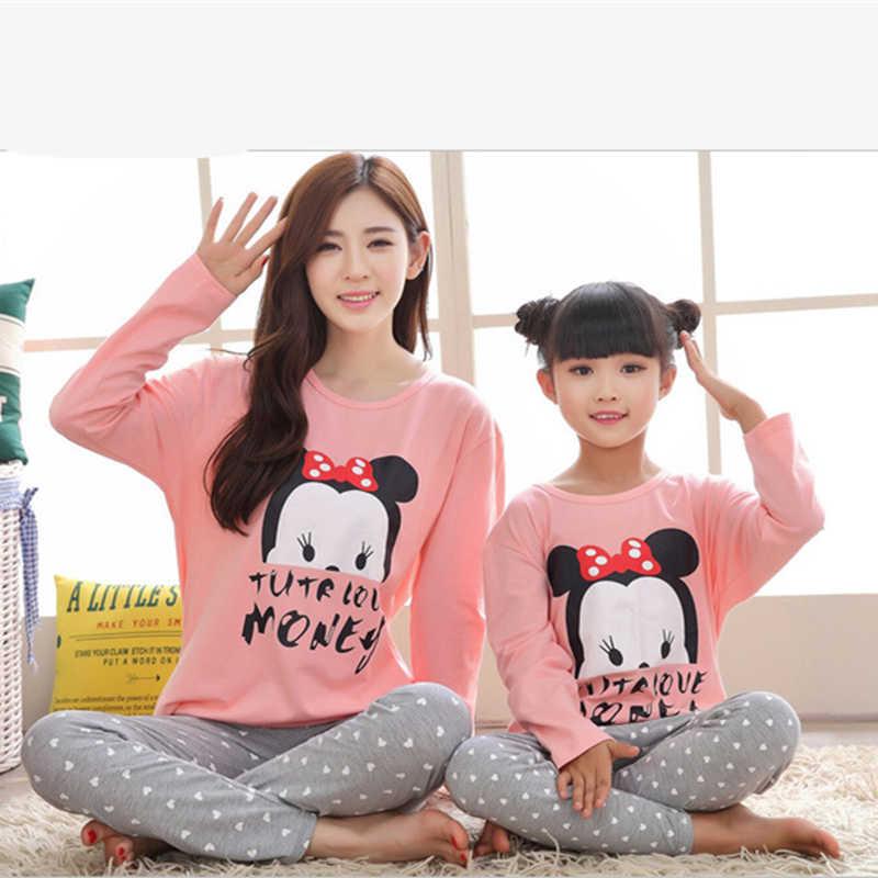 bff1b3ea9 ... 2019 la madre y la hija Pijamas Minnie familia juego ropa trajes mamá y  las Niñas ...