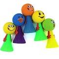 Nueva mega elf volar saltando juguete divertido para el niño pequeño plástico doll educación toys en color al azar