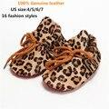 Moda Primavera/Outono de Couro Reais Da Marca Primeiro Walkers Lace-up Sapatos de Bebê com Estampa de Leopardo Borla Infantil Botas De Camurça Mocassins bebê