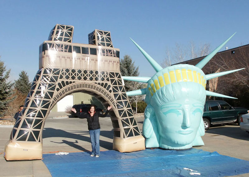Customized giant inflatable Paris Tower Liberty Head model for advertising