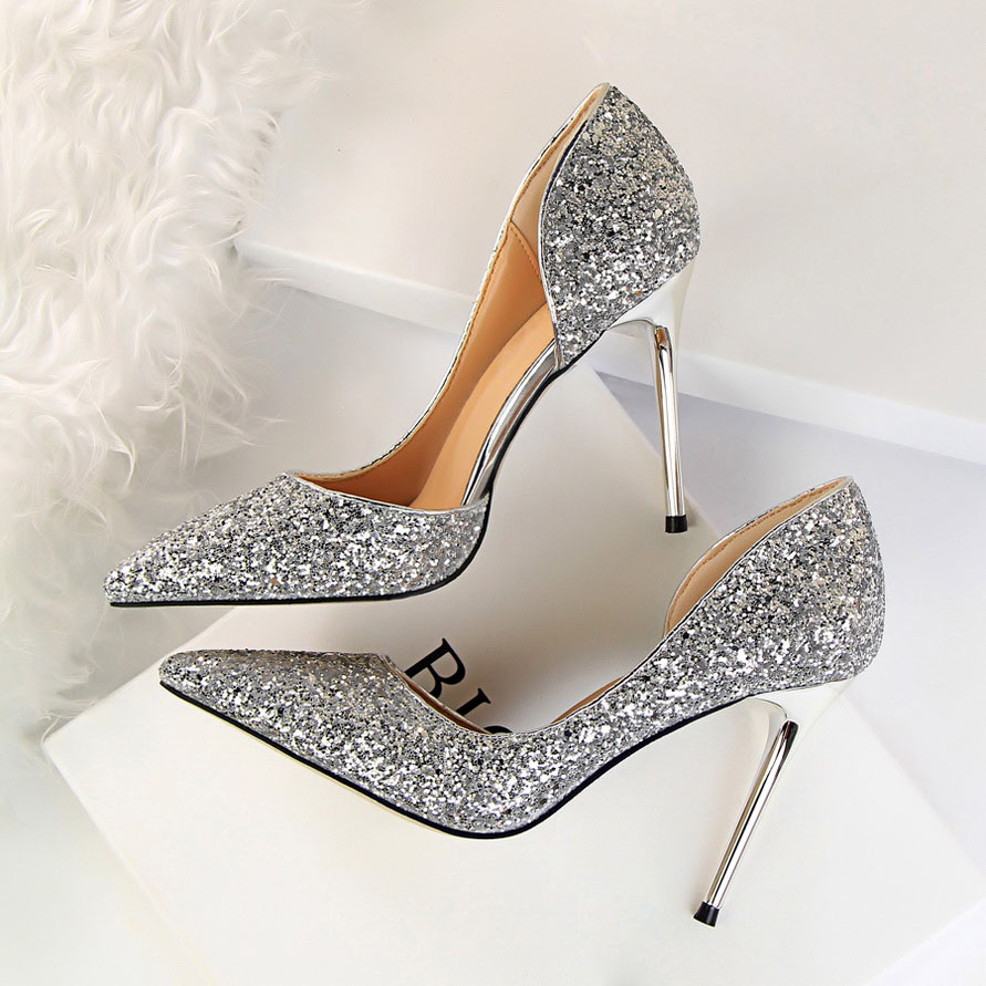 2018 Women Luxury Stiletto 10cm High Heels Sexy Sequins Glitter Sparkly Pumps  Female Fashion Scarpins Wedding Sliver Ivory Shoes-in Women s Pumps from  Shoes ... 092bbac32160