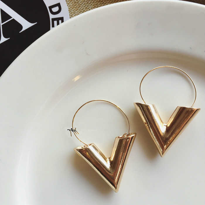 2019 New Fashion Trend Earrings Brincos Oorbellen Simple Metal Wind Letter V Shape Earrings For Women Gift Wholesale