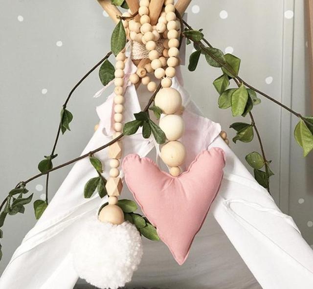 Estilo nórdico Forma de Amor Pulsera de Cuentas de Madera Colgante de Cuerda Cochecito de Bebé Colgante Del Bebé de Los Niños Habitación Decoraciones de Tiendas de Campaña 1 unids