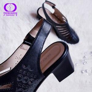 Image 5 - AIMEIGAO 2019 Yeni Kadın Gladyatör Sandalet Yaz Ayakkabı Siyah Renk Rahat Topuklu Kadın Ayakkabı Ayakkabı oymak