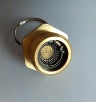 La válvula de lastre de bus yutong funciona con la válvula de agua y la válvula se utiliza para descargar manualmente el interruptor de agua