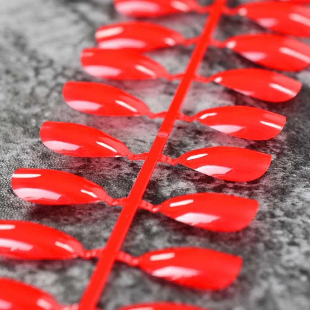 เซ็กซี่สีแดง Stiletto สตรอเบอร์รี่กดบนเล็บเต็มรูปแบบสั้นโลงศพเล็บปลอม 24pcs