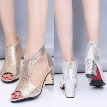 1d9f04828 2018 Mulheres de Verão de Bling Do Diamante de Couro sapatos de Salto Alto  Calcanhar Quadrado Sandálias Mulheres Sexy Sapatos Pe.