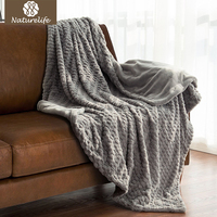 Naturelife Faux Fur Reversible Fleece Throw Blanket Imported Soft Fuzzy Lightweight Throw Reservible Plaid Drop Shipping
