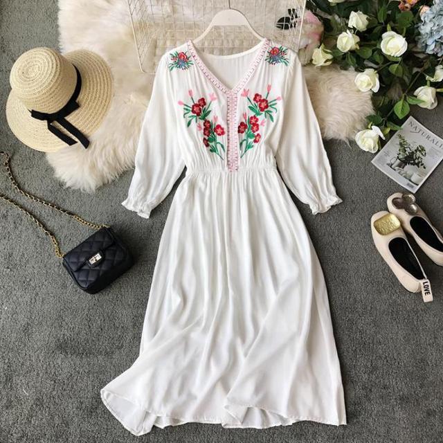 Summer Floral Beach Dress Fashion Women V-neck Vintage Embroidery Casual Wear Dresses Female Boho Long Robe Vestidos