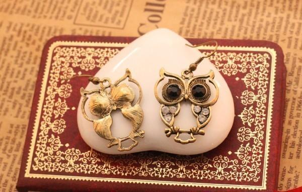Vintage Style Black Owl Eyes Earrings