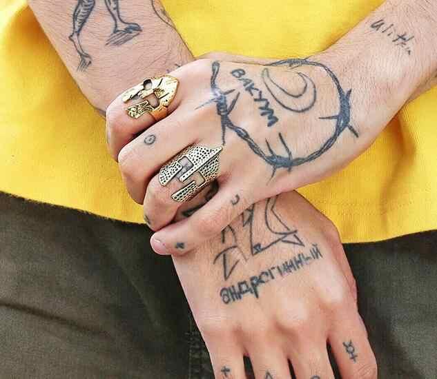 VINTAGE Finger SPARTAN HERO หน้ากากหมวกกันน็อกแหวน Cool Antique BIKER Punk ROCK RAP สแตนเลสผู้ชายเครื่องประดับนิ้วมือแหวน