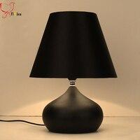 Современный простой железный Настольный светильник, черный/красный/белый тканевый абажур креативный Настольный светильник для спальни го