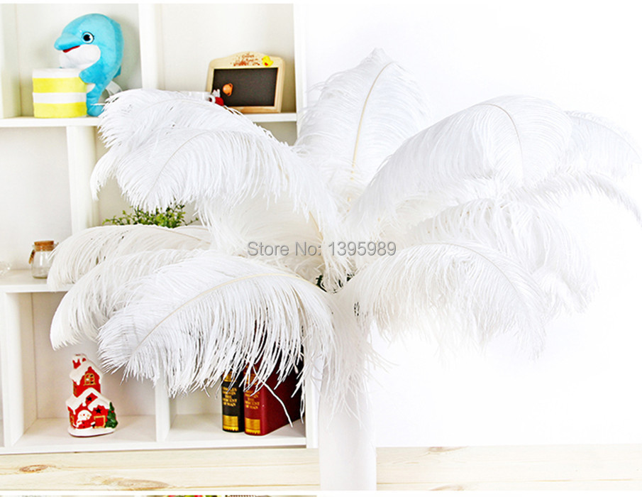 Free shipping wholesale  white  ostrich  feathers  20-22inch/ 50-55cm wedding and a variety of decorative stage performances