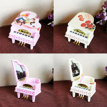 HAOCHU Rose Lovers Clockwork Type Rotary Classical Princess On The Piano Music Box Valentine's Day Wedding Gift Kids Toys