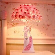 Романтическое искусство пара обнимающих влюбленных статуя скульптура светодиодный ночной Светильник ПУ розовая Роза Абажур Настольная лампа креативный домашний декор