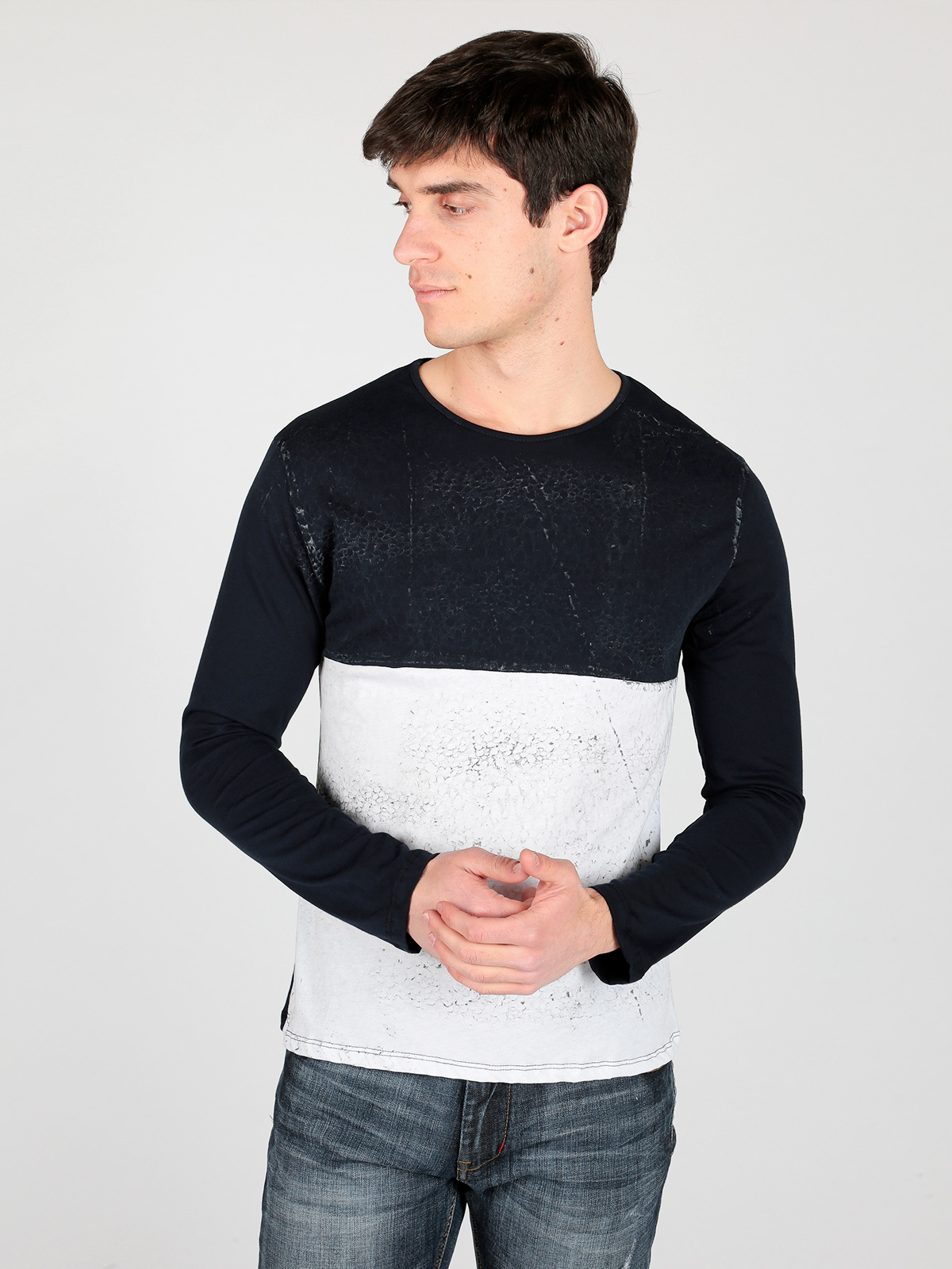 Long-sleeved Knit Two-color