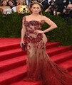 2017 Tapete Vermelho Vestidos de Verão Estilo Sereia Champagne Tulle Perspectiva Profunda Red Applique Lace Longo vestido de Noite Vestidos de Celebridades