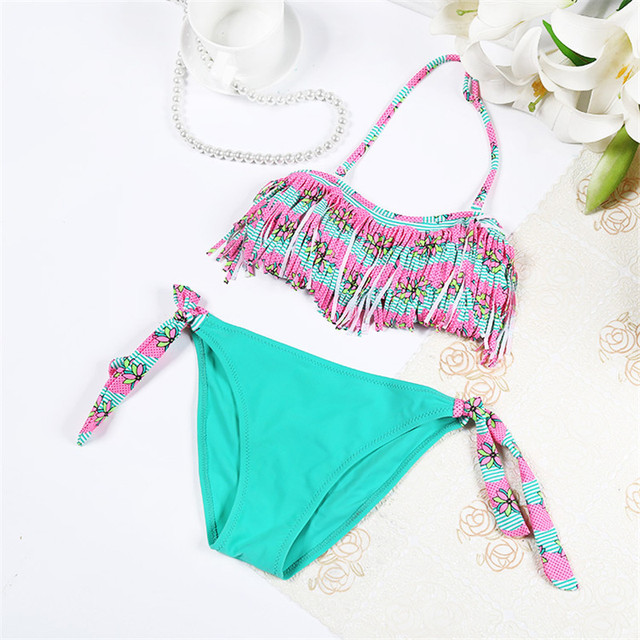 2017 New Patchwork Two Piece Swimsuit For Girls Cute Halter Children Swimwear Solid Kids Swim Suit Lovely Tassel Baby Beachwear