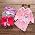 2017 Nuevo Diseño Suéter Para Niña Niños Con Capucha de Manga Larga Casual Jerseys Sweater Niños de la Historieta + Falda de Dos Piezas traje