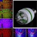 E27 3 Вт Красочные Авто Вращающийся RGB LED Лампы Лазерное Пятно Снежинка проектор Luminaria Свет для Партии Диско DJ Показать Новый Магический Шар