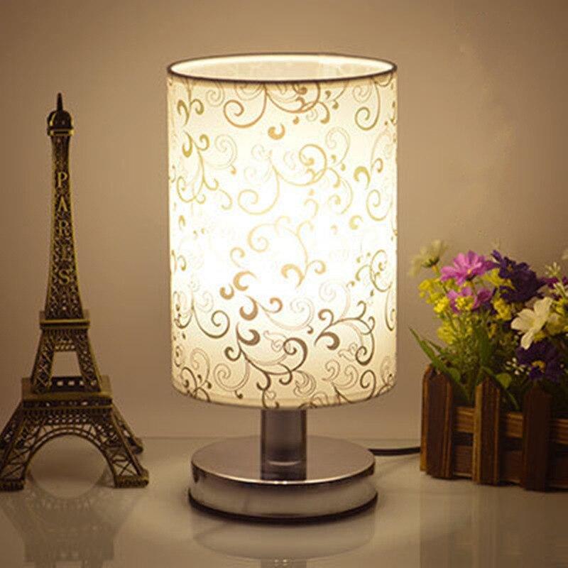 디 밍이 가능한/비 조정 가능한 책상 led 테이블 램프 침실 천으로 크리 에이 티브 패션 현대 유럽 야간 조명 실내 조명-에서탁상 램프부터 등 & 조명 의 LX lighting factory Store