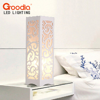 לבן מנורת שולחן עם אהיל מודרני בצורת מגזרת גפן חדר שינה סלון שולחן AC110-220V אור