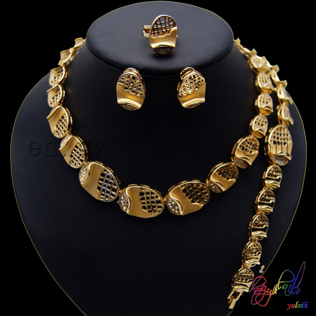 цена на Free Shipping High Quality Zinc Alloy Fashion Statement Anniversary Gold-color Four Jewelry Set