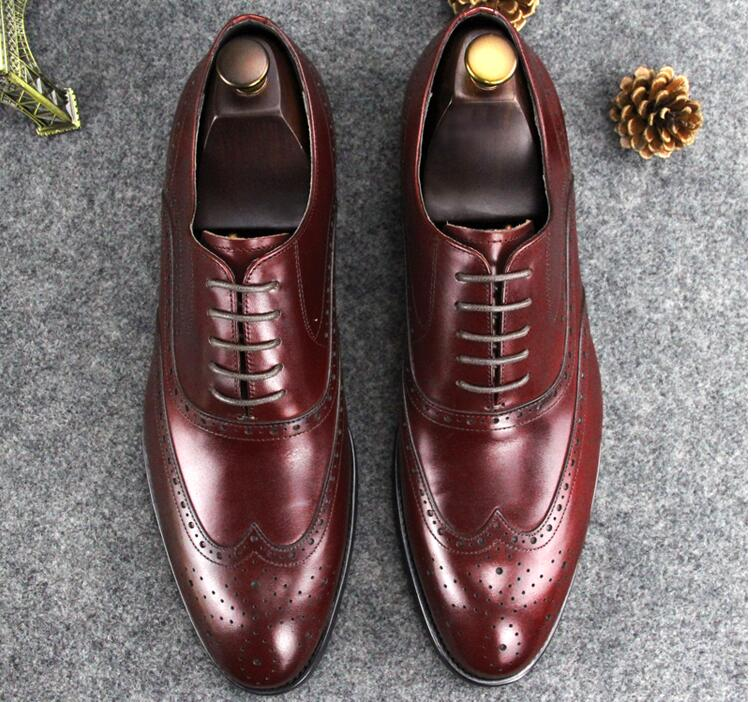 Wedding dress shoes men lace up genuine leather pointed toes carved brogues formal business breathable groom low heel shoes