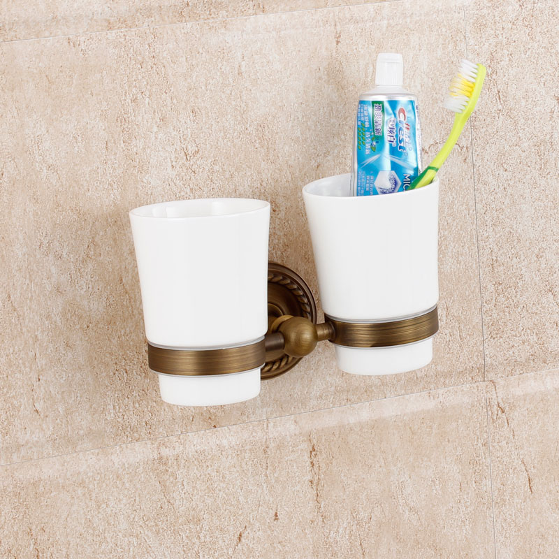 European Classical Tumbler Rack Ceramic Cups Exquisite Double Toothbrush Holder Retro Brass Bathroom Hardware Wall Mount image