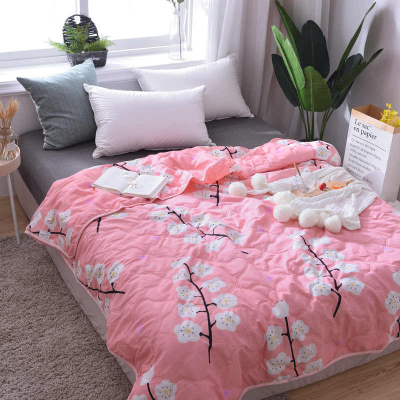 2019 New Bedding Floral Pineapple Printed Thin Summer Quilt Aircondition Blankets Comforter Bed Cover Quilting Bedspread Adults