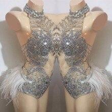 Flash diamantes de imitación plumas Bodysuit Sexy malla transparente sin mangas espalda descubierta Bodysuit club de baile traje DJ DS etapa desgaste