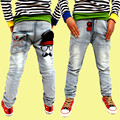 Caliente-venta de Primavera ropa de los nuevos niños pantalones vaqueros salvajes del bebé niños de pantalones, niños ripped jeans + pantalones vaqueros de los niños + pantalones vaqueros chicos