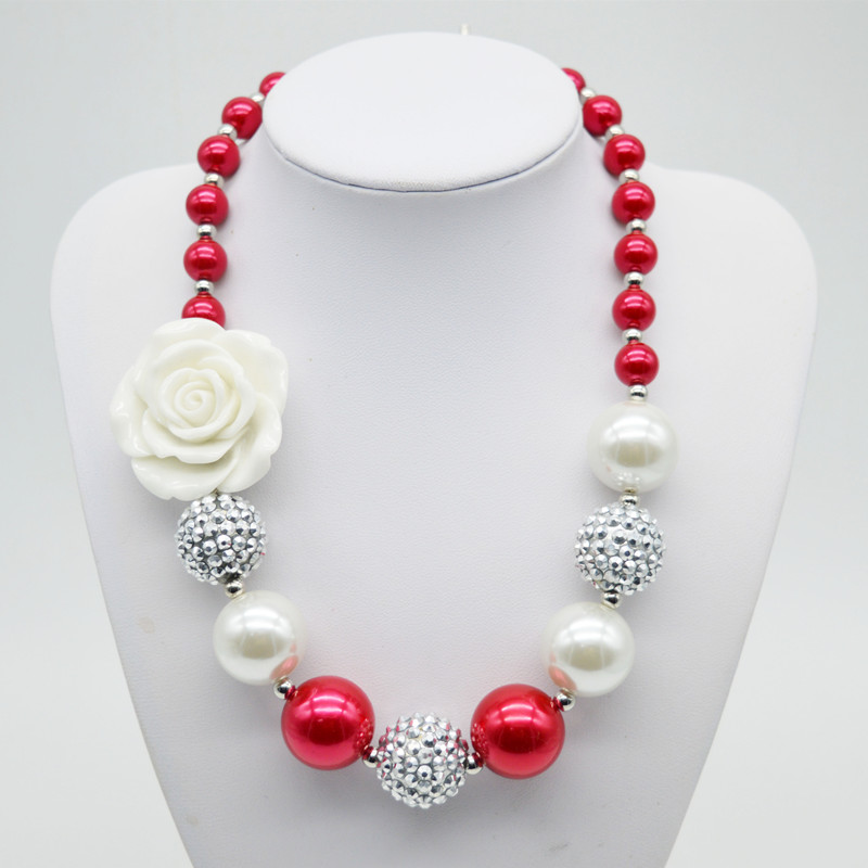 Enfants Filles Or Chunky Perle Bubblegum Perles Collier Avec Bébé Fille  Robe Up Cadeau De Noël 705b58ab702