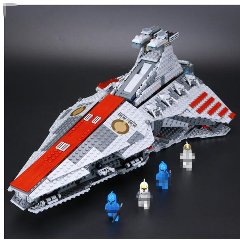 05042 Star Series War New The Republic Toys Fighting Set Cruiser Set Building Blocks Bricks Educational Toys 8039 rollercoasters the war of the worlds