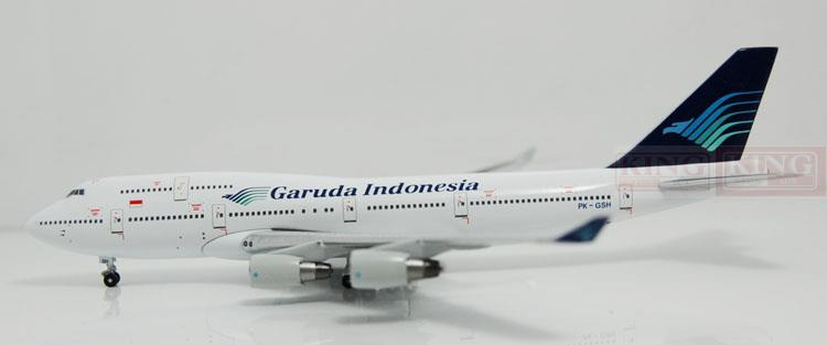 A13036 Apollo Indonesia aviation PK-GSH 1:400 commercial jetliners plane model hobby B747-400 11010 phoenix australian aviation vh oej 1 400 b747 400 commercial jetliners plane model hobby